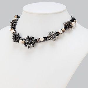 Jewelry - Black Beaded Flower Burst Neclace